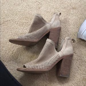 vince camuto worm booties!